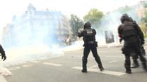 Francja: W Paryżu protestowano przeciwko paszportom covidowym. Doszło do starcia z policją