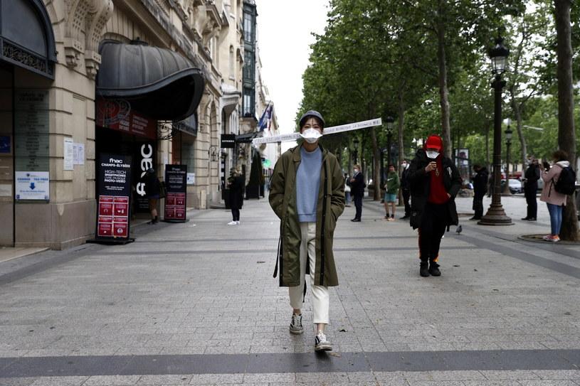 Francja wychodzi z kwarantanny po ośmiu tygodniach /IAN LANGSDON /PAP/EPA