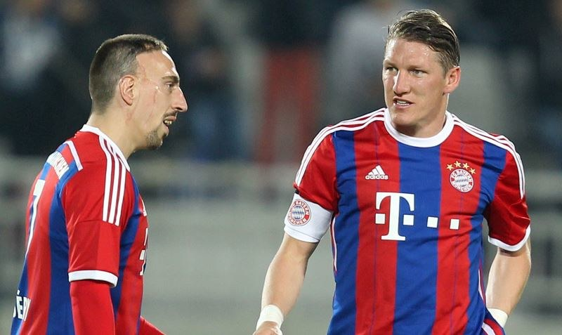 Franck Ribery i Bastian Schweinsteiger (z prawej) /AFP