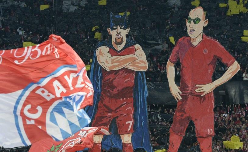 Franck Ribery (z lewej) jako Batman i Arjen Robben jako Robin. Gdy obu zabrakło, Bayern wpadł w tarapaty /AFP