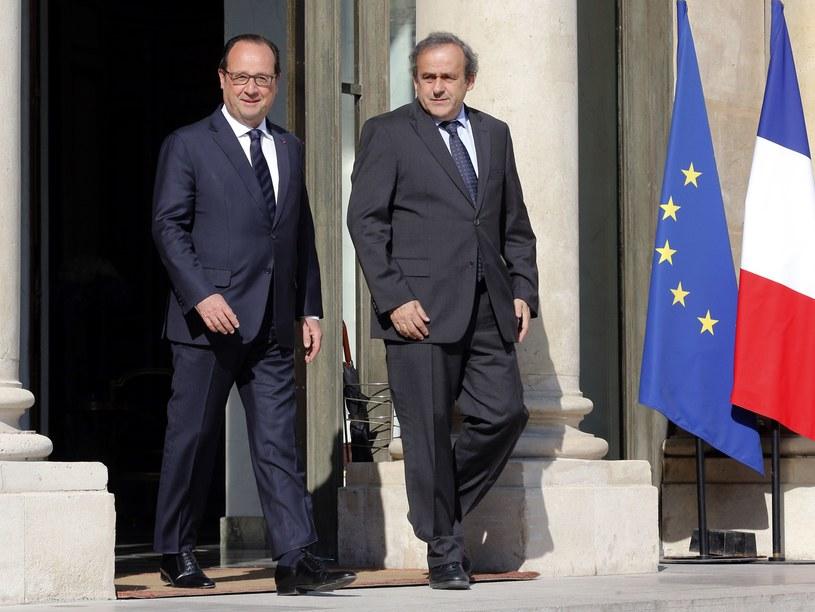 Francois Hollande (z lewej) obok Michela Platiniego /AFP