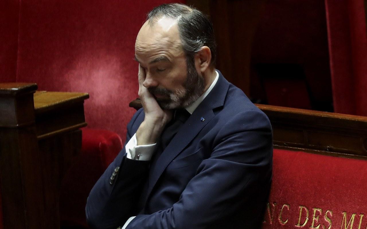 Francuscy lekarze chcą postawić premiera i minister zdrowia przed Trybunałem Stanu