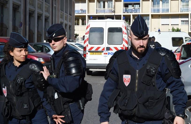 Francuscy policjanci czuwają nad bezpieczeństwem podczas Euro /AFP