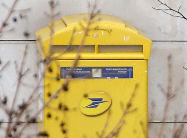 Francuska poczta obiecała dostarczyć skradzione listy fot. Thomas Samson /AFP