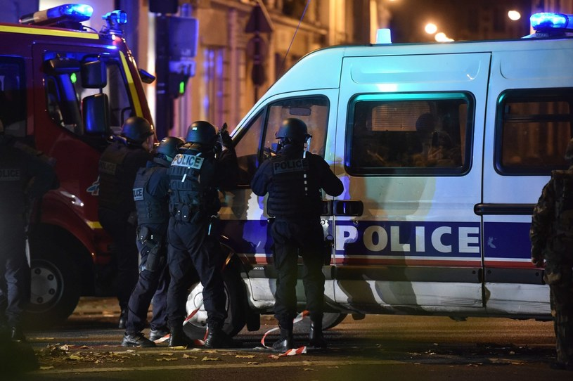 Francuska policja pracuje na najwyższych obrotach /PAP/EPA