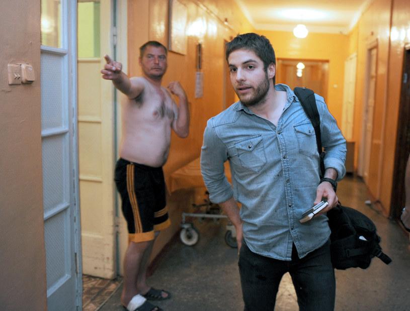 Francuski fotoreporter William Roguelon opuszcza szpital /AFP