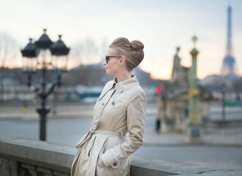 Francuski szyk, moda, styl i bąbelki. Co jeszcze dała nam Francja? /123RF/PICSEL