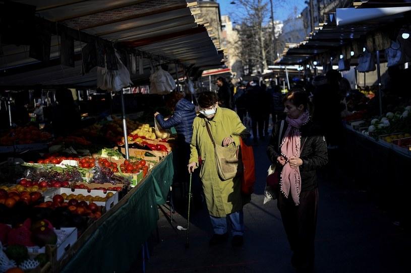 Francuzi nie przestrzegają nakazu pozostawania w domu /Christophe ARCHAMBAULT  /AFP