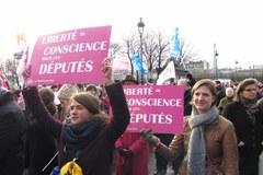 Francuzi protestują przeciwko małżeństwom homoseksualistów