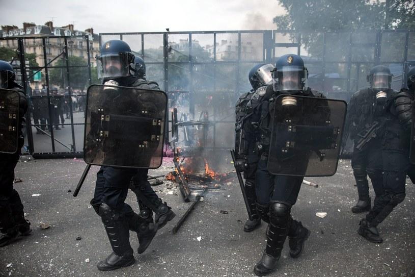 Francuzi protestują, zdj. ilustracyjne /CHRISTOPHE PETIT  /PAP/EPA