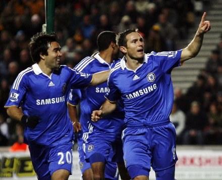 Frank Lampard dobrze czuje się w Chelsea /AFP
