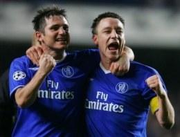 Frank Lampard i John Terry pewnie prowadzą Chelsea do mistrzostwa Anglii /AFP