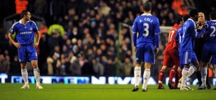 Frank Lampard nie dokończył meczu z Liverpoolem. /AFP
