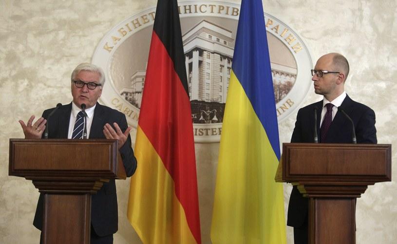 Frank-Walter Steinmeier i Arsenij Jaceniuk /AFP