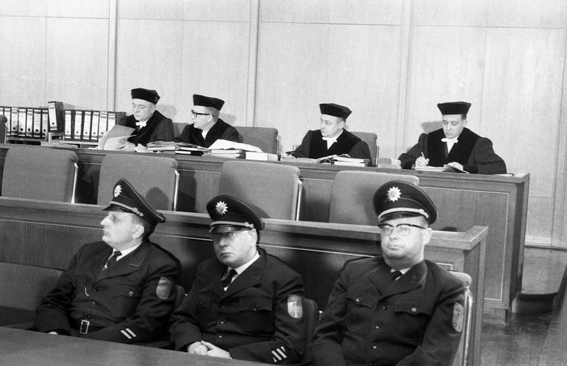 Frankfurt nad Menem, 20 grudnia 1963 r. Początek procesu 22 strażników z obozu koncentracyjnego Auschwitz. AP Photo /East News