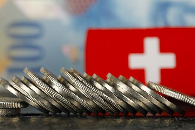 Frankowicze w szoku! Banki grożą im pozwami /©123RF/PICSEL