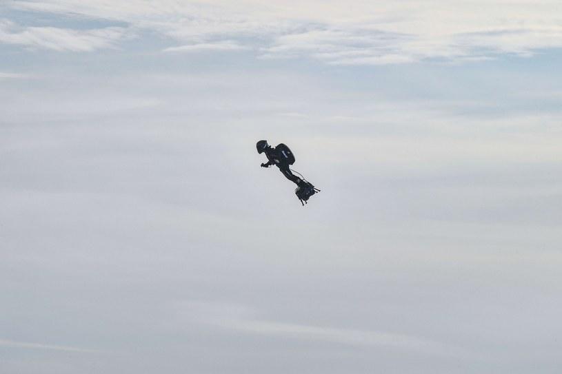 Franky Zapata podjął drugą próbę przelotu nad kanałem La Manche /DENIS CHARLET/AFP /East News