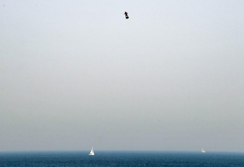 Franky Zapata w czasie lotu /AFP