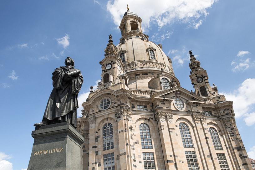 Frauenkirche i pomnik Marcina Luthra w Dreźnie /123RF/PICSEL