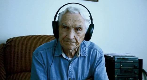 Fred Stobaugh po raz pierwszy słucha swojego utworu /
