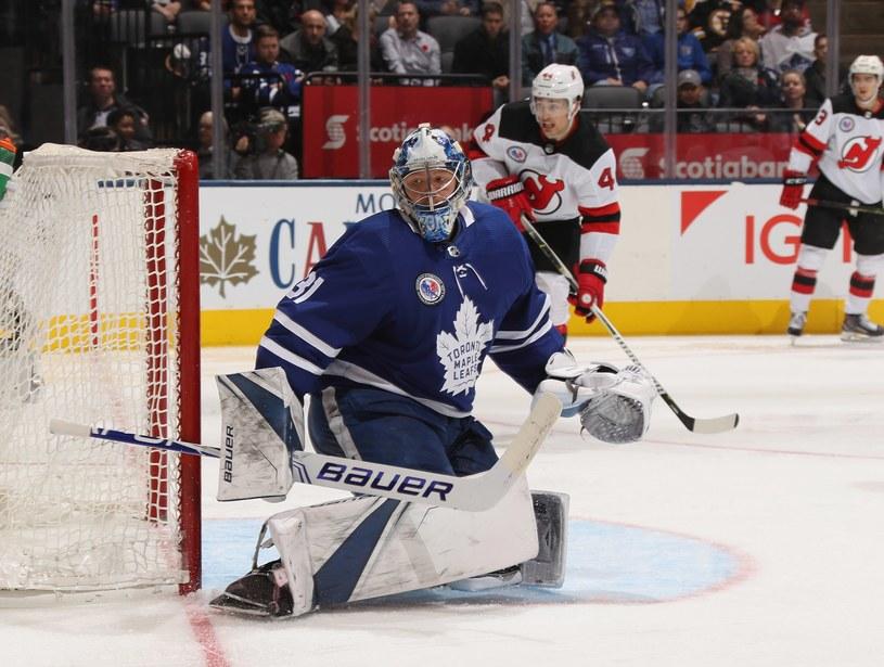 Frederik Andersen #31 z Toronto Maple Leafs w meczu z New Jersey Devils /AFP