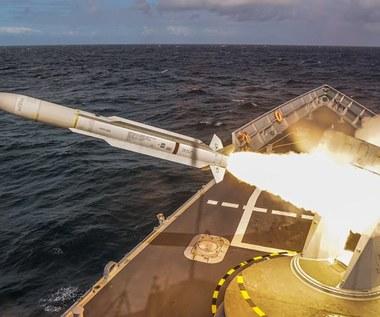 """Fregata """"Gen. K. Pułaski"""" strzelała pierwszy raz od 18 lat"""