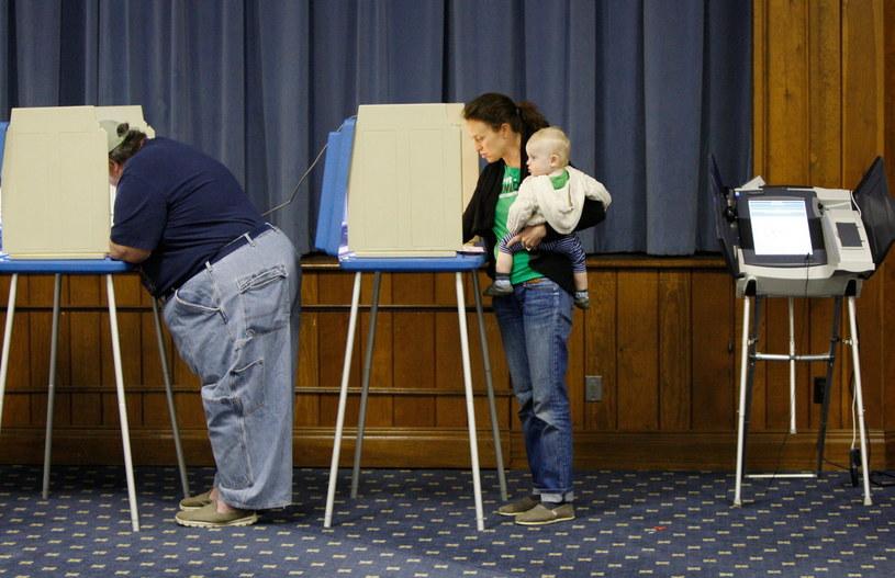 Frekwencja w wyborach była dość niska, a Amerykanie mało interesowali się tymi wyborami /PAP/EPA