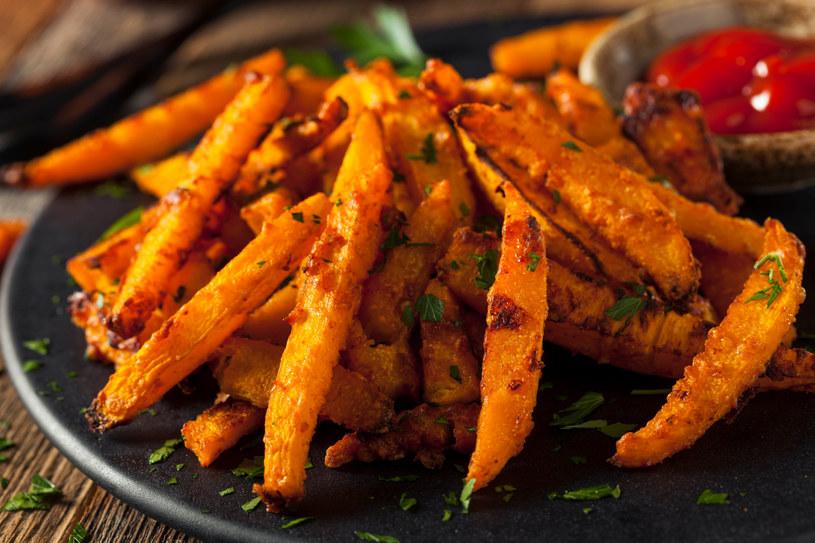 Frytki z dyni to jesienny przysmak, którym będziesz zajadać się z apetytem /123RF/PICSEL