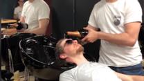 Fryzjer na bogato: Szampan zamiast szamponu!