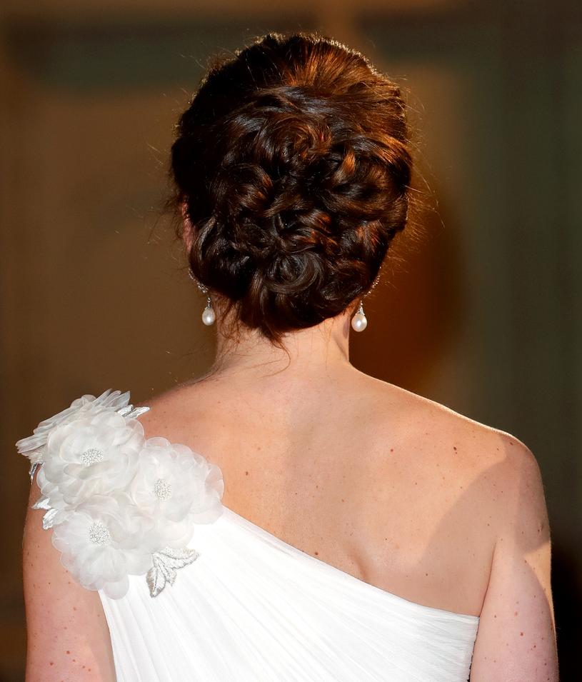 Fryzura księżnej Kate /Max Mumbly /Getty Images