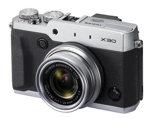 Fujifilm X30 /materiały prasowe
