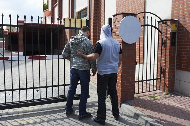Funkcjonariusze ABW przeszukują główną siedzibę firmy Amber Gold w Gdańsku/fot. A. Warżawa /PAP