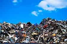 Funkcjonariusze KAS zatrzymali transporty z 47 tonami odpadów