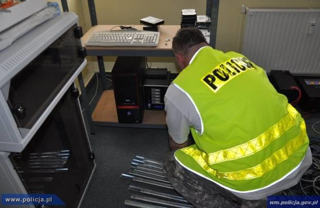 Funkcjonariusze policji podczas akcji. /materiały prasowe