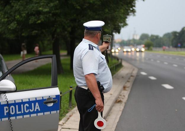 Funkcjonariusze służb mundurowych organizują dzisiaj strajk włoski, fot. Stanisław Kowalczuk /Agencja SE/East News
