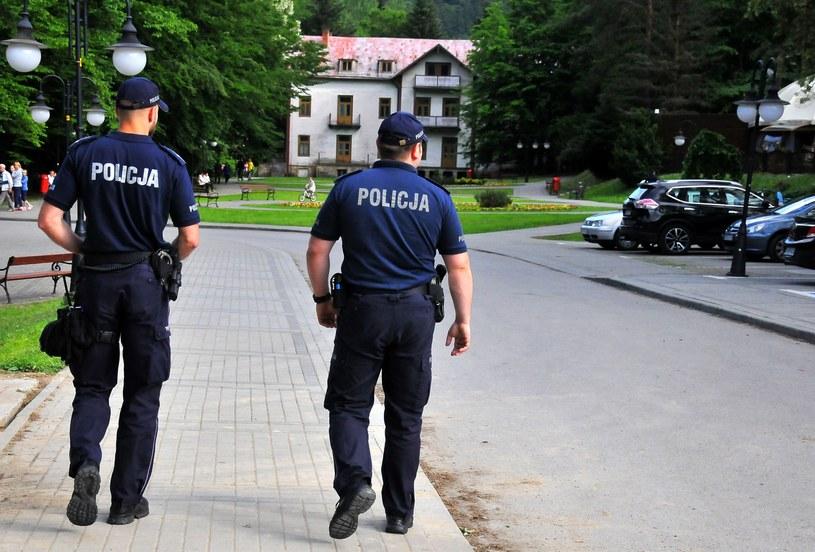 Funkcjonariusze wciąż odchodzą ze służby; zdj. ilustracyjne /MAREK DYBAS/REPORTER /Reporter