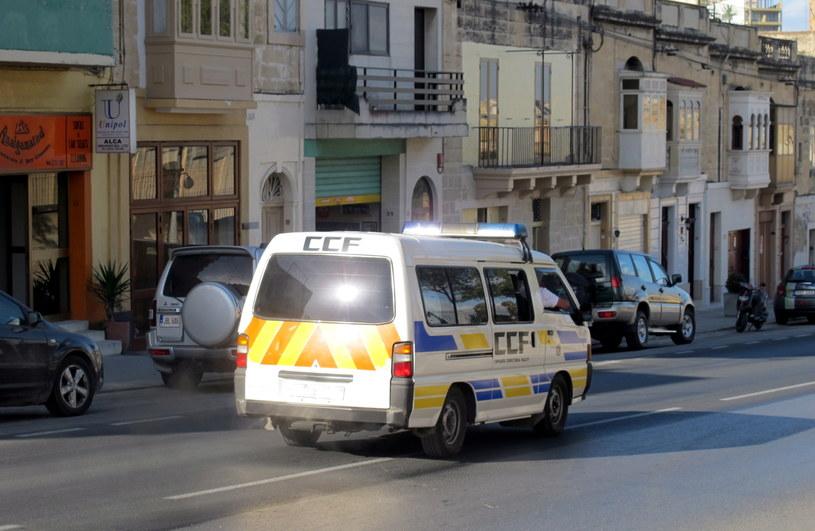 Furgonetka, którą najprawdopodobniej Kajetan P. był przewożony z aresztu na lotnisko w stolicy Malty Valletcie /Patrycja Rojek /PAP