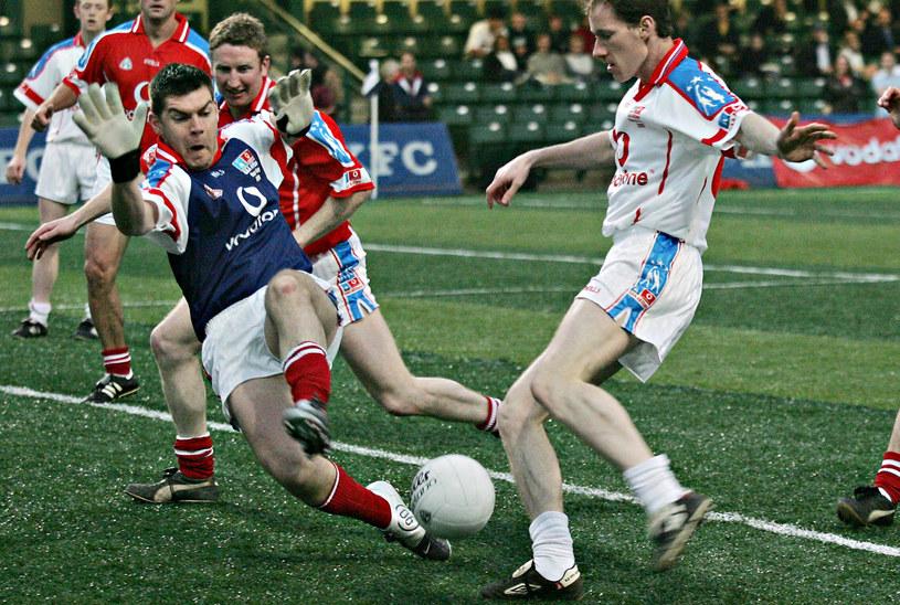 Futbol gaelicki to gratka nie tylko dla fanów klasycznej piłki nożnej /AFP