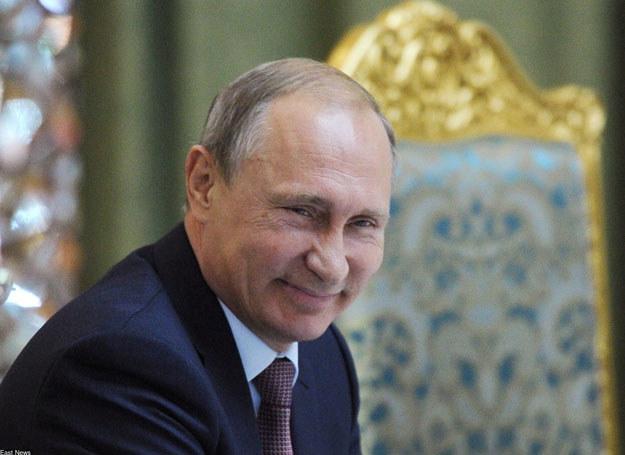 Gajzer zasiada we władzach partii Jedna Rosja, która stanowi zaplecze polityczne prezydenta Władimira Putina /AFP /East News