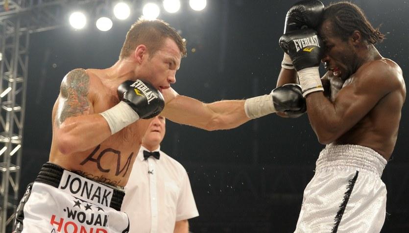 Gala boksu w Jastrzębiu. Zwycięstwo Jonaka nad Husanowem