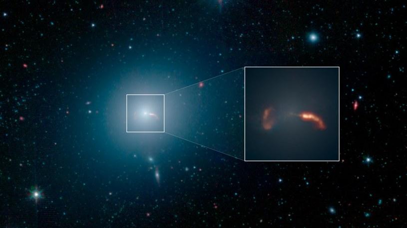 Galaktyka M87 na zdjęciu wykonanym przez Kosmiczny Teleskop Spitzera /NASA