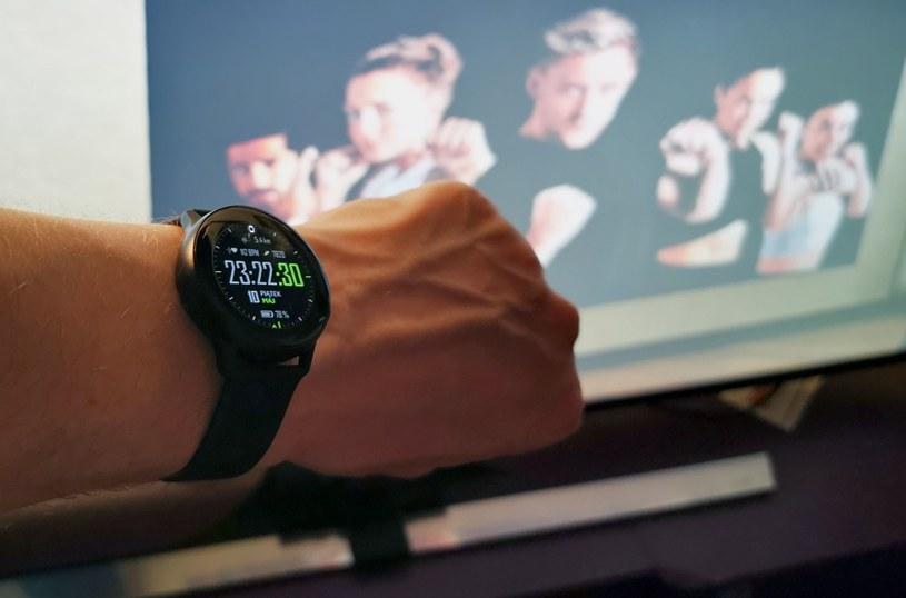 """Galaxy Watch Active - tuż po ponad godzinnej sesji z grą VR o nazwie """"BoxVR"""" /materiały prasowe"""