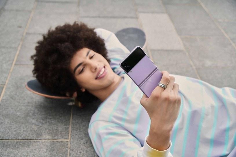 Galaxy Z Flip3 5G /materiały prasowe