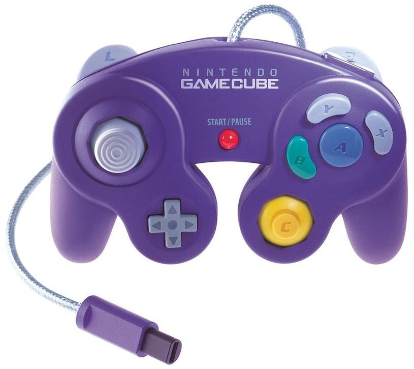 GameCube - pad do konsoli Nintendo /materiały źródłowe