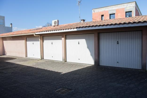 Garaż na wynajem - czy to się opłaca? /©123RF/PICSEL