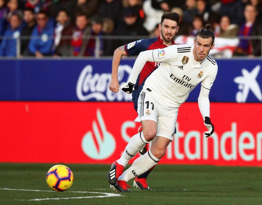 Gareth Bale był wyróżniającą się postacią spotkania /JAVIER CEBOLLADA    /PAP/EPA