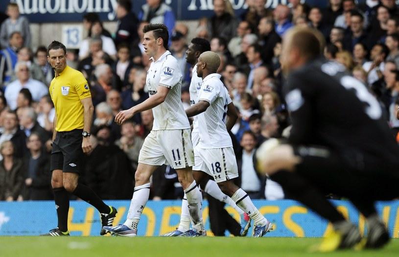 Gareth Bale pokonał Artura Boruca w 86. minucie /PAP/EPA