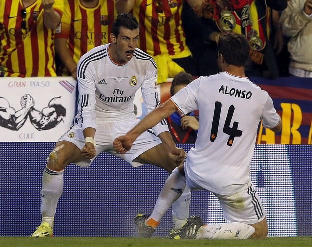 Gareth Bale tuż po zdobyciu fenomenalego gola w finale Pucharu Króla /ALBERTO ESTEVEZ /PAP/EPA