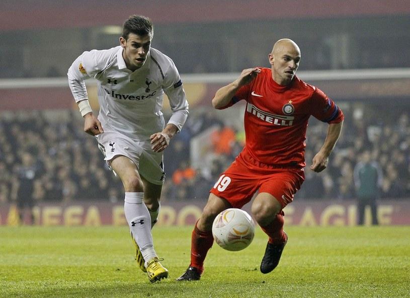Gareth Bale (z lewej) nie zagra w rewanżowym meczu z Interem Mediolan /AFP