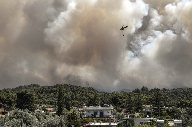 Gaszenie pożarów w Grecji /AFP